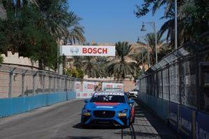 Alice Powell, Jaguar Ran Racing eTROPHY Team Germany