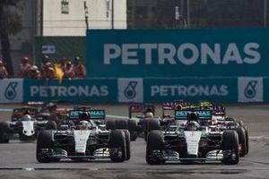 Nico Rosberg, Mercedes F1 W06, Lewis Hamilton, Mercedes F1 W06