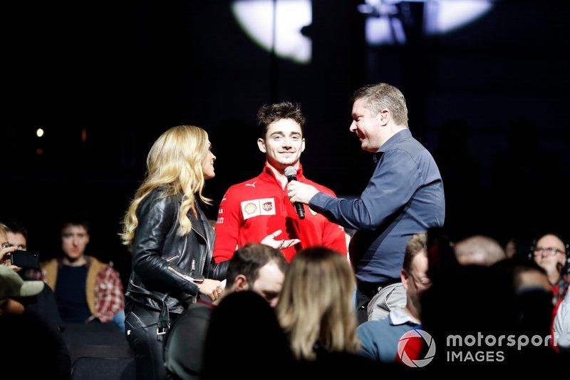 Emma Walsh e David Croft, Sky TV intervistano Charles Leclerc, Ferrari al Live Action Arena