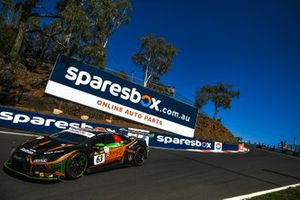 #63 Orange 1 FFF Racing Team Lamborghini Hurracan GT3: Andrea Caldarelli, Marco Mapelli, Dennis Lind