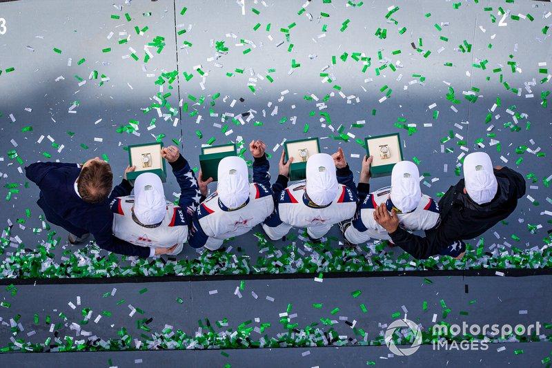 #81 DragonSpeed USA ORECA 07 Gibson: Ben Hanley, Henrik Hedman, Colin Braun, Harrison Newey celebrate the victory