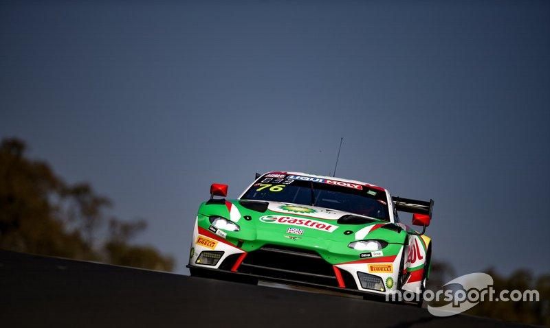 #76 R - Motorsport Aston Martin Vantage AMR GT3: Jake Dennis, Rick Kelly, Scott Dixon