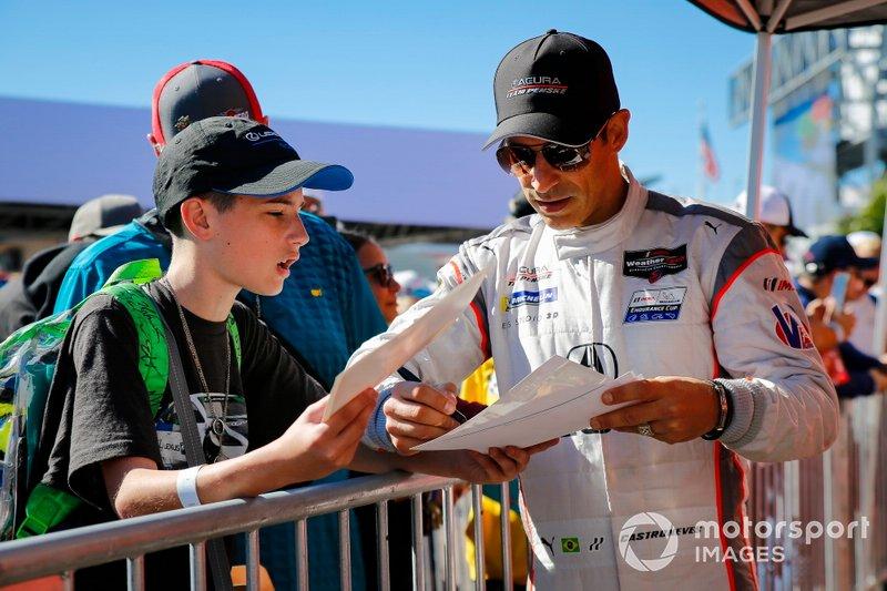 #7 Acura Team Penske Acura DPi, DPi: Helio Castroneves, Ricky Taylor, Alexander Rossi, autograph session