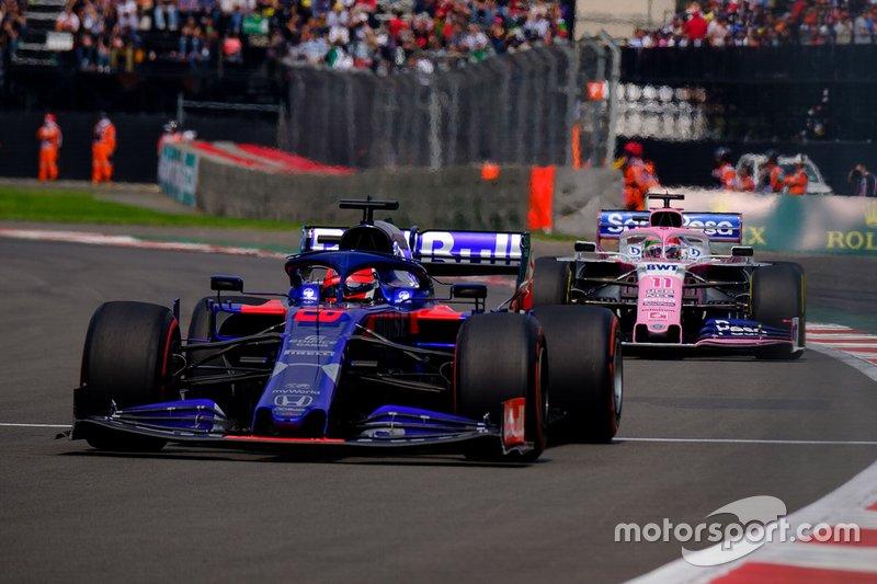 Даниил Квят, Scuderia Toro Rosso STR14, и Серхио Перес, Racing Point F1 Team RP19