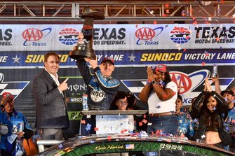 Kevin Harvick, Stewart-Haas Racing, Ford Mustang Busch Beer / Ducks Unlimited wins