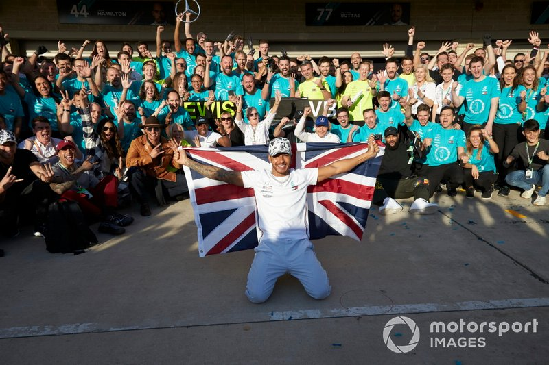 Lewis Hamilton, Mercedes AMG F1, celebrates winning the World Championship with race winner Valtteri Bottas, Mercedes AMG F1, colleagues and actor Matthew McConaughey