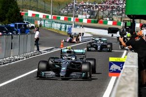 Valtteri Bottas, Mercedes AMG W10 and Lewis Hamilton, Mercedes AMG F1 W10