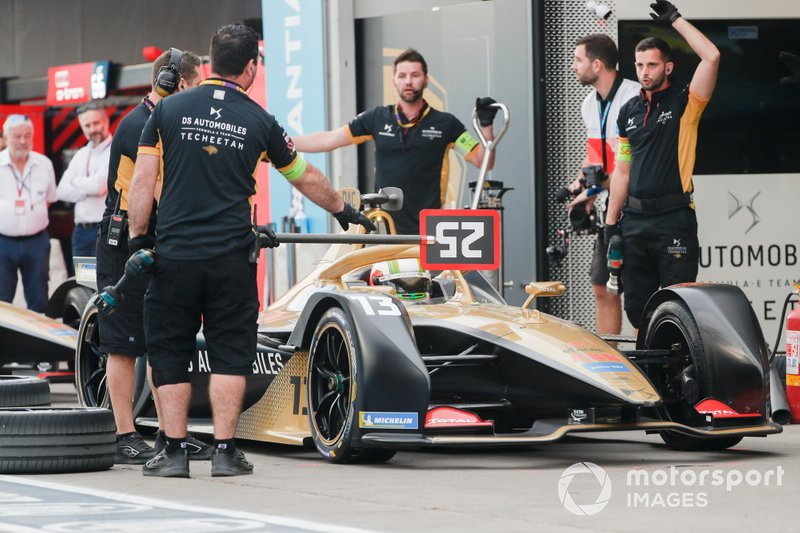 Antonio Felix da Costa, DS Techeetah, DS E-Tense FE20, makes a pit stop