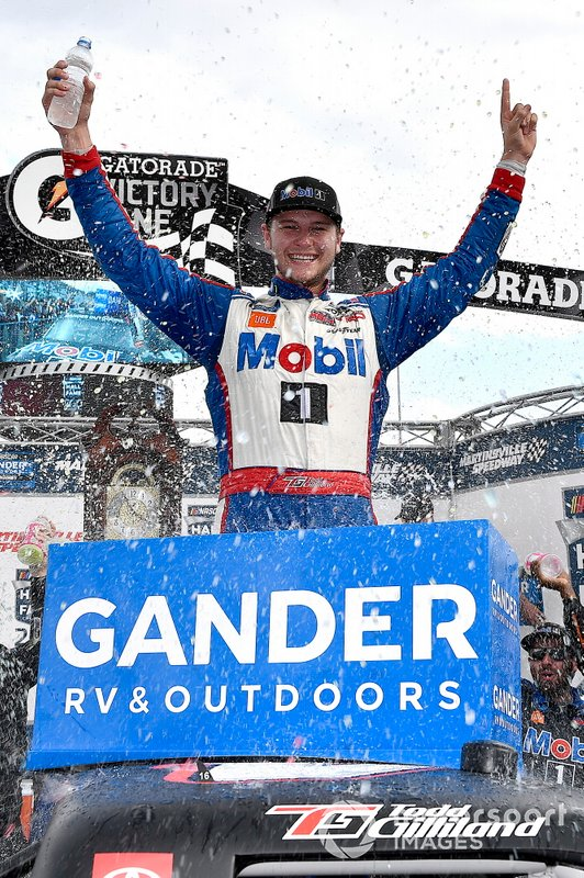 Todd Gilliland, Kyle Busch Motorsports, Toyota Tundra Mobil 1 wins
