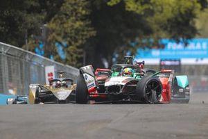 Lucas Di Grassi, Audi Sport ABT Schaeffler, Audi e-tron FE07, crashes out