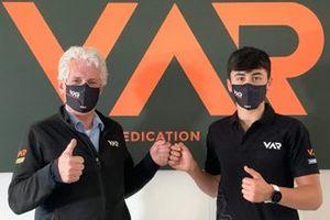 Mari Boya firma con Van Amersfoort Racing