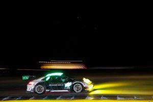 #88 Team Hardpoint EBM Porsche 911 GT3R, GTD: Katherine Legge, Christina Nielsen, Bia Figueiredo