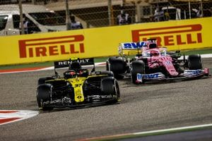 Esteban Ocon, Renault F1 Team R.S.20, Sergio Perez, Racing Point RP20