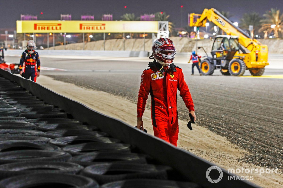 Charles Leclerc, Ferrari, si allontana dopo il ritiro
