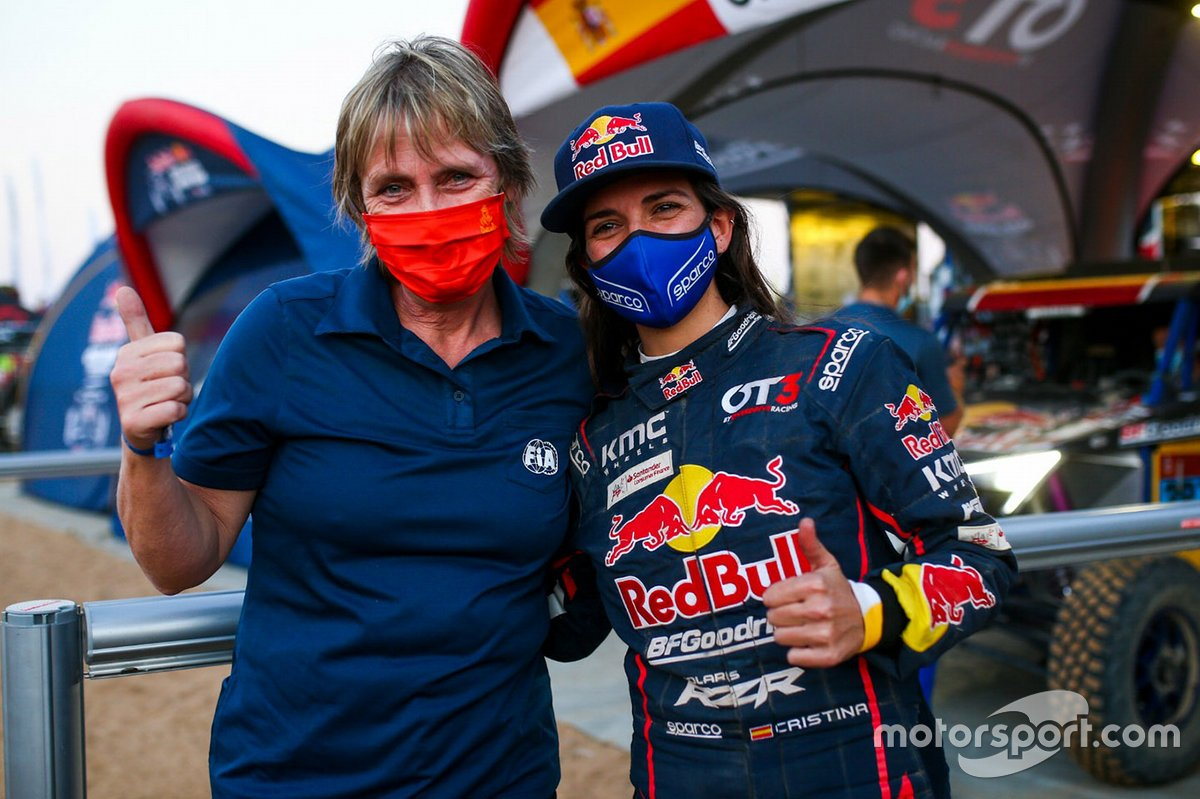#387 Red Bull Off-Road Team USA OT3: Cristina Gutierrez con Jutta Kleinschmidt