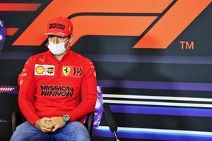 Carlos Sainz Jr., Ferrari basın konferansında
