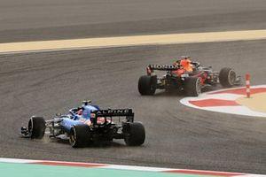 Max Verstappen, Red Bull Racing RB16B, Esteban Ocon, Alpine A521