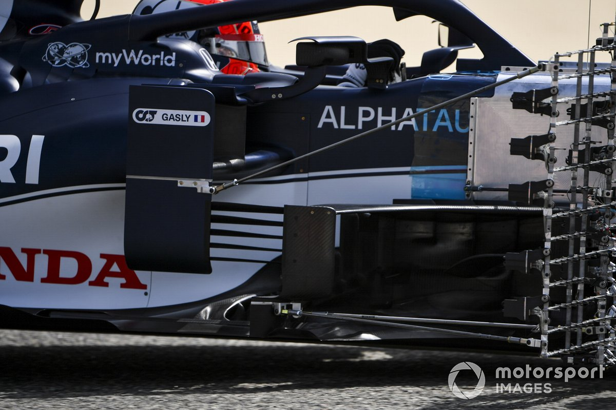 AlphaTauri AT02 sidepods detail