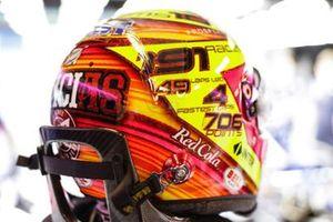 Sergio Perez, Racing Point, con un casco in edizione speciale