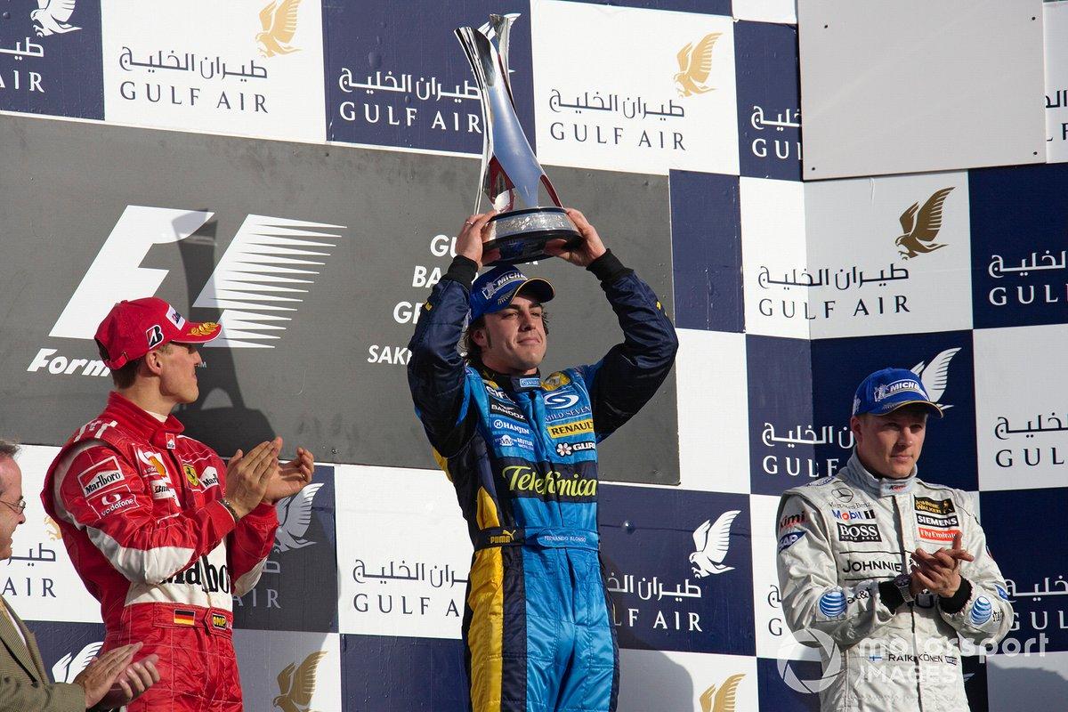 El ganador Fernando Alonso, Renault F1 Team, sgundo Michael Schumacher, Ferrari, tercero Kimi Räikkönen, McLaren