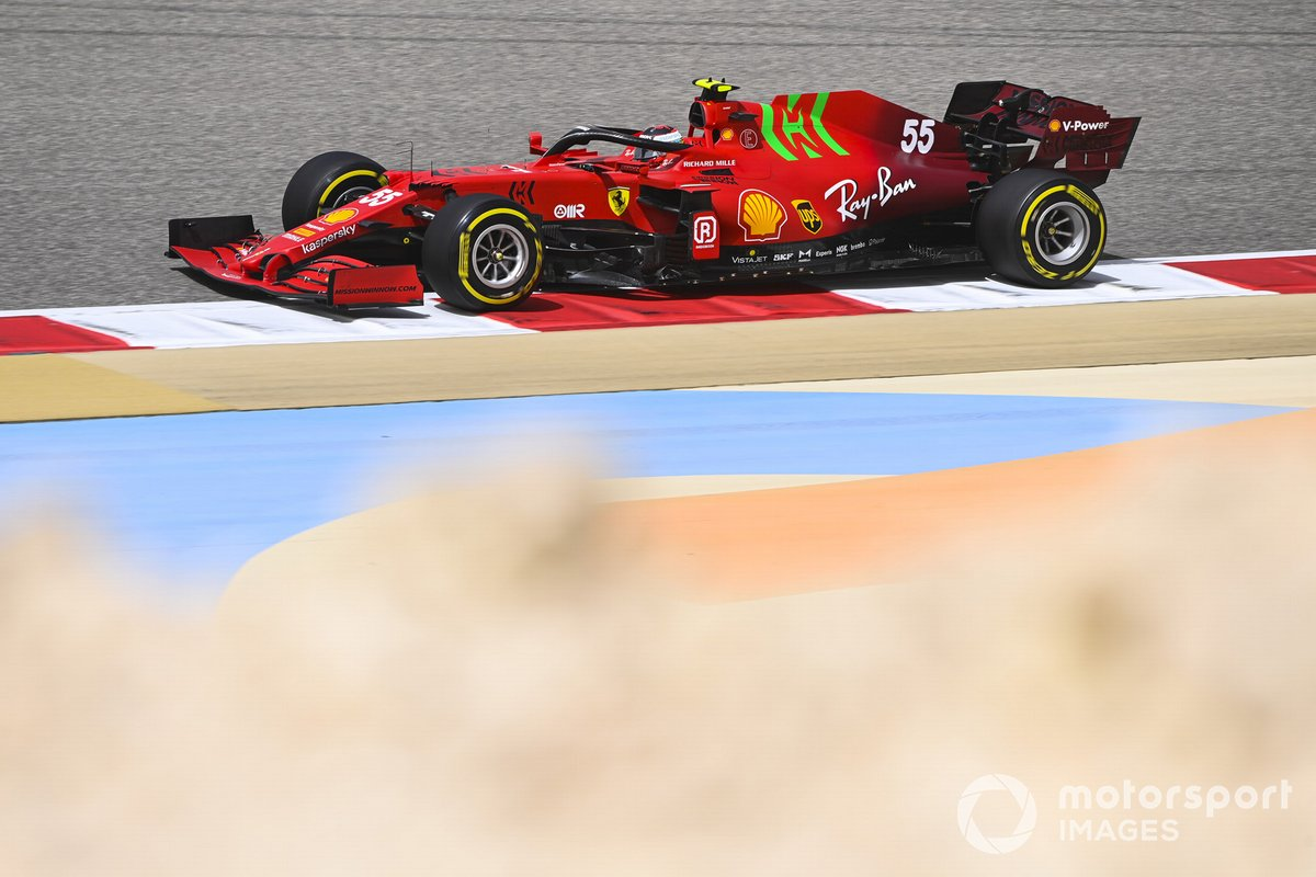 9. Carlos Sainz Jr., Ferrari SF21: 192 vueltas (1039,104 km)