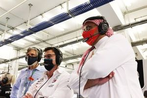 Toto Wolff, Executive Director - Business, Mercedes AMG, and Prince Khalid Bin Sultan Al Faisal, president of the Saudi Arabian motorsport federation, in the Mercedes garage