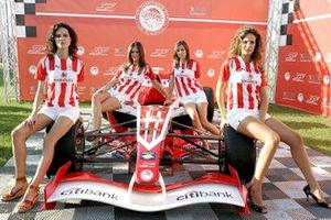 Olympiacos Girls with the car