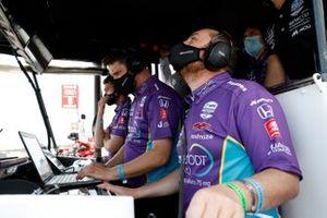 Romain Grosjean, Dale Coyne Racing with Rick Ware Racing Honda, Olivier Boisson engineer