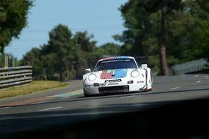 #94 Porsche GT Team Porsche 911 RSR: Mathieu Jaminet, Sven Müller, Dennis Olsen