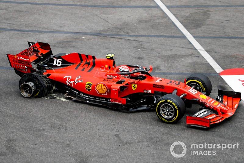 La monoposto danneggiata di Charles Leclerc, Ferrari SF90