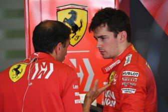 Charles Leclerc, Ferrari, en Marc Gene, Ferrari