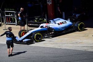 George Russell, Williams Racing FW42, leaves the garage