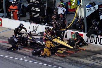 Marcus Ericsson, Arrow Schmidt Peterson Motorsports Honda., pit stop