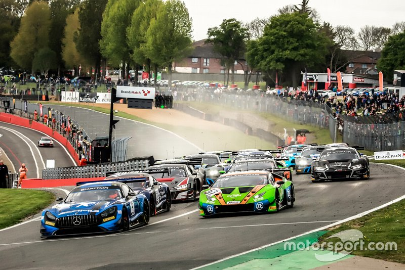 Salida de las Blancpain Sprint Series en Brands Hatch