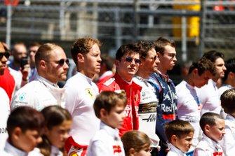 Valtteri Bottas, Mercedes AMG F1, Sebastian Vettel, Ferrari, Charles Leclerc, Ferrari, Romain Grosjean, Haas F1, y Daniil Kvyat, Toro Rosso
