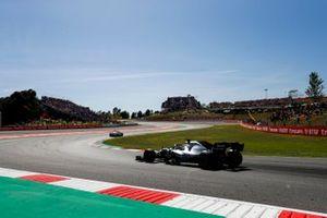 The Safety Car leads Lewis Hamilton, Mercedes AMG F1 W10