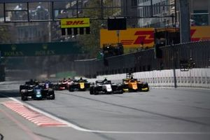 Nicholas Latifi, DAMS leads Juan Manuel Correa, SAUBER JUNIOR TEAM BY CHAROUZ from Jack Aitken, CAMPOS RACING