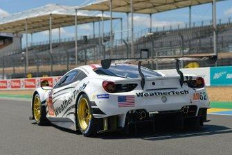 #62 Weathertech Racing Ferrari 488 GTE: Cooper MacNeil, Toni Vilander, Robert Smith