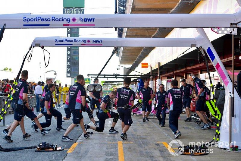 Racing Point mechanics warm up