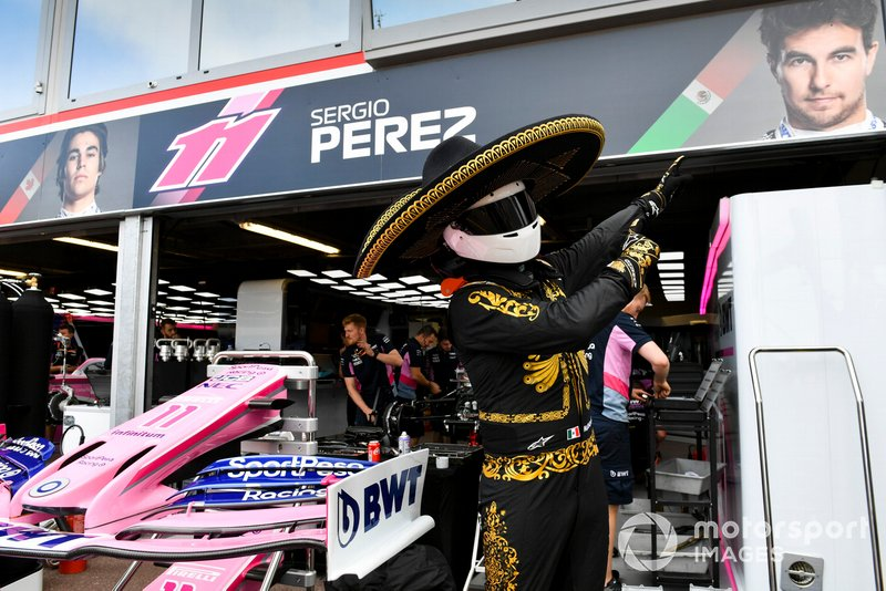 Промоутер Гран При Мексики в паддоке Гран При Монако