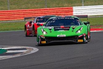 #333 Rinaldi Racing Ferrari 488 GT3: Rinat Salikhov, Denis Bulatov, David Perel