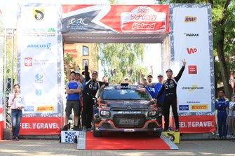 Победители Алексей Лукьянюк и Алексей Арнаутов, Saintéloc Racing, Citroën C3 R5