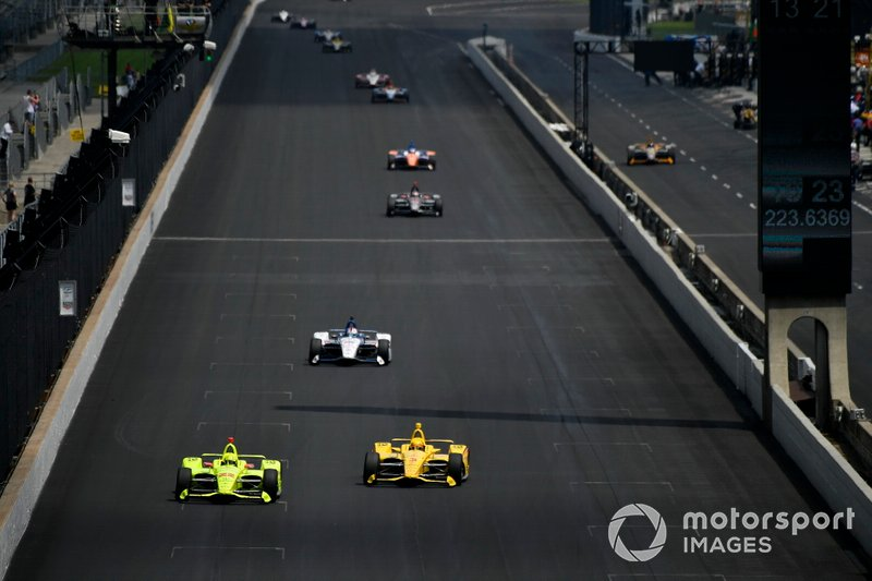 Simon Pagenaud, Team Penske Chevrolet, Helio Castroneves, Team Penske Chevrolet