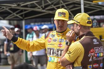 Kyle Busch, Joe Gibbs Racing, Toyota Camry M&M's White Chocolate, Adam Stevens