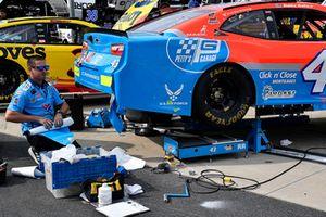 Darrell Wallace Jr., Richard Petty Motorsports, Chevrolet Camaro Medallion Bank / Petty's Garage crew