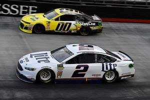 Brad Keselowski, Team Penske, Ford Fusion Miller Lite and Landon Cassill, StarCom Racing, Chevrolet Camaro StarCom Fiber