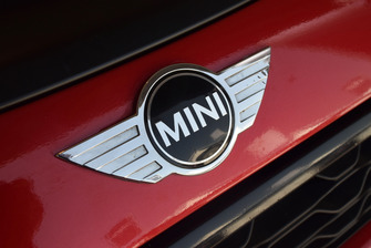 Mini John Cooper Works Lite, Mini Italia, dettaglio del logo Mini