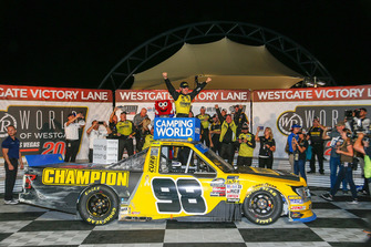 Grant Enfinger, ThorSport Racing, Ford F-150 victory lane