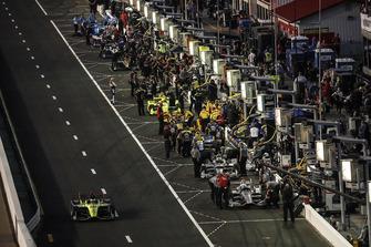 Josef Newgarden, Team Penske Chevrolet, Will Power, Team Penske Chevrolet, Sebastien Bourdais, Dale Coyne Racing with Vasser-Sullivan Honda