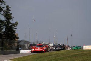 #31 Action Express Racing Cadillac DPi, P - Eric Curran, Felipe Nasr, #5 Action Express Racing Cadillac DPi, P - Joao Barbosa, Christian Fittipaldi, Filipe Albuquerque